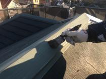住宅塗装 屋根 棟板金 清掃