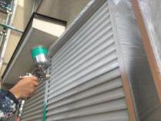 住宅塗装 雨戸 塗り替え 錆止め 吹付塗装