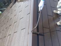 横浜市 栄区 塗装 リフォーム 上塗り2回目 屋根 棟板金 戸建住宅 遮熱 日本ペイント