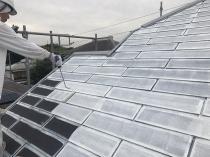 塗装 シリコン 屋根 日本ペイント 下塗り1回目 遮熱 神奈川 横浜 栄区