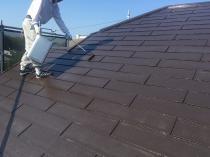 屋根 塗装 日本ペイント シリコン 上塗り1回目 横浜市 栄区 戸建住宅