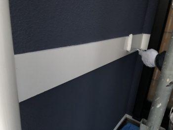 シリコン樹脂塗料 上塗り2回目 住宅塗装 幕板 横浜市