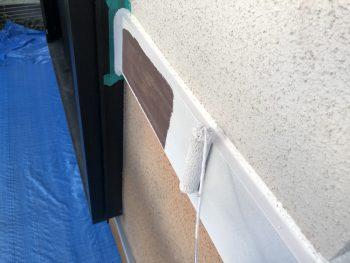横浜市 塗り替えリフォーム 幕板塗装 上塗り1回目 シリコン樹脂塗料