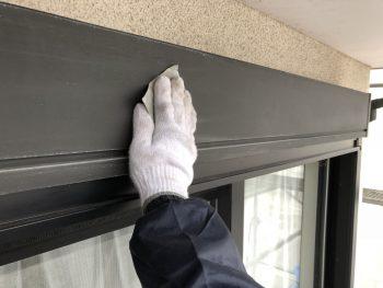 住宅塗装 戸建 シャッターボックス ケレン作業