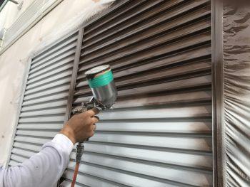 塗り替え リフォーム 横浜市 住宅塗装 雨戸 上塗り1回目