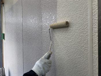 横浜市 住宅塗り替え プレミアム外壁塗装 上塗り1回目 ダイヤモンドコート
