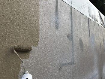 住宅塗装 塀 塗り替え ダイヤモンドコート 上塗り1回目 横浜市 港南区