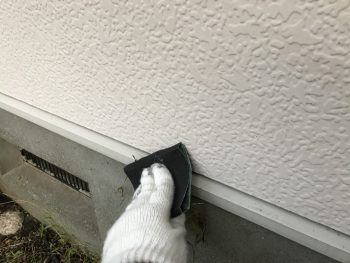 住宅塗装 横浜市 港南区 水切り塗装 ケレン作業