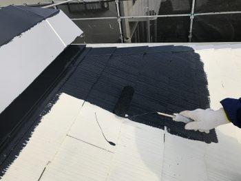 屋根塗装 上塗り2回目 遮熱塗装 日本ペイントサーモアイ
