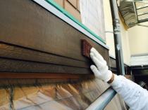 横浜市神奈川区H様邸幕板塗装前ケレン作業