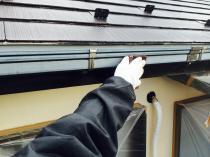 横浜市神奈川区H様邸雨樋塗装前ケレン作業