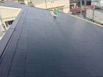 横浜市西区O様邸屋根棟板金塗装塗替え工事完了