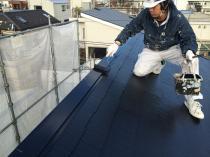 横浜市西区O様邸屋根棟板金塗装上塗り1回目