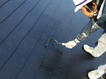 横浜市西区O様邸屋根塗装上塗り1回目