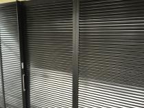 横浜市磯子区N様邸雨戸塗装完了