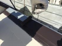 横浜市磯子区N様邸屋根棟板金塗装上塗り1回目
