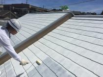 横浜市磯子区N様邸屋根塗装下塗り2回目