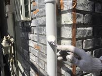 横浜市 戸塚区 塗り替え リフォーム 竪樋 上塗り1回目 日本ペイント フッ素