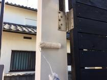 住宅塗装 神奈川 扉 枠 上塗り1回目 シリコン