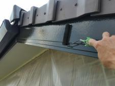 塗り替え リフォーム 横浜市 栄区 上塗り1回目 破風 シリコン