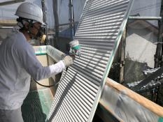 雨戸塗装 シリコン 上塗り2回目 横浜市 塗り替え リフォーム 港南区