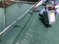 横浜市 港南区 戸建 塗り替え 上塗り2回目 棟板金 屋根 人気 遮熱