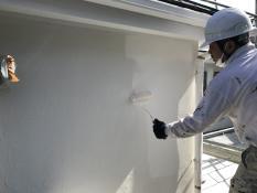 外壁塗装 上塗り2回目 インディフレッシュセラ 口コミ 戸塚区