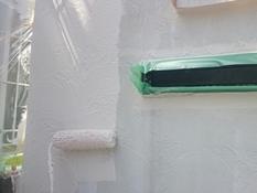 塀塗装 シリコン 上塗り1回目