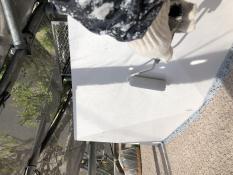横浜市 住宅塗装 霧除け庇 上塗り2回目 シリコン