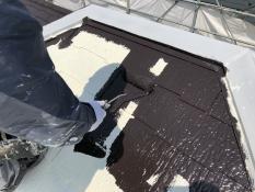 横浜市 屋根 塗り替え 上塗り1回目 遮熱