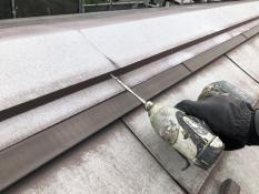 住宅塗装 屋根 棟板金 ビス交換 栄区 横浜市