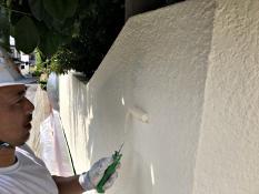戸建住宅 塀塗装 マット 仕上がり 上塗り2回目 日本ペイント