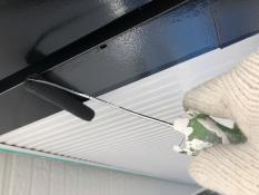 横浜市 破風塗装 上塗り1回目 人気 シリコン 防汚 防カビ