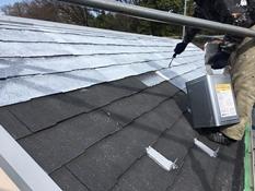 屋根塗装 下塗り1回目 シリコン 強化シーラー