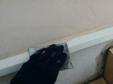 横浜市磯子区K様邸水切り塗装前ケレン作業