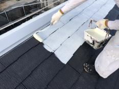 戸建住宅 屋根塗装 下塗り2回目