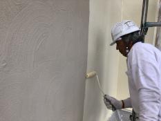 横浜市戸塚区 外壁塗装 上塗り1回目