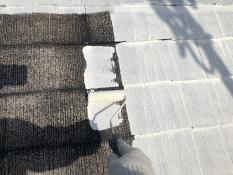 横浜 屋根塗り替え シーラー下塗り2回目