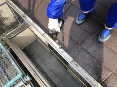 住宅塗装 軒樋高圧洗浄