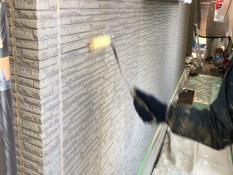 外壁シーラー下塗り