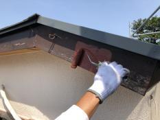 住宅塗装 破風下塗り