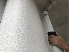 横浜市栄区N様邸雨樋塗装施工前ケレン作業