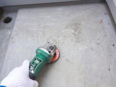 横浜市栄区K様邸FRP防水保護塗装前ケレン作業