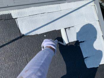 横浜市栄区C様邸屋根塗装下塗り2回目