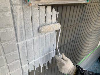 横浜市栄区C様邸外壁アクセント部分インディフレッシュセラ外壁塗装下塗り