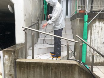 横浜市栄区C様邸階段高圧洗浄