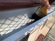 横須賀市O様邸雨樋清掃作業