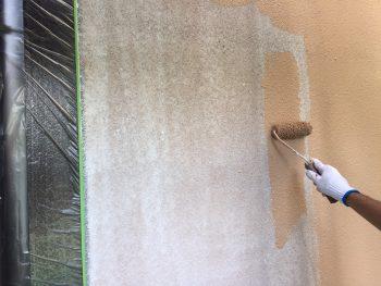 外壁塗装 シリコン上塗り1回目