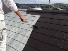 屋根塗装 遮熱塗料上塗り1回目