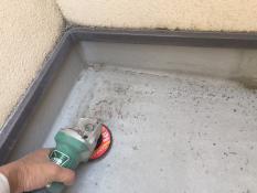 ベランダ防水保護塗装ケレン
